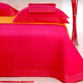 Υπέρδιπλα σεντόνια Guy Laroche σε φούξια χρωματισμούς