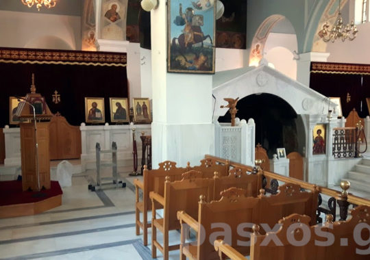 Κουρτίνα Ωραίας Πύλης σε εκκλησία. Σχέδιο, κατασκευή, τοποθέτηση: Πάσχος