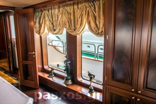 Κουρτίνες, ρόμαν, καλύμματα, επενδύσεις σε σκάφος (κοινόχρηστοι χώροι)