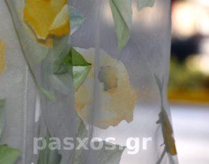 Οργάντζα (οργαντίνα) ντεβορέ, ύφασμα λευκό με πολύχρωμο σχέδιο, δείγμα κουρτίνας