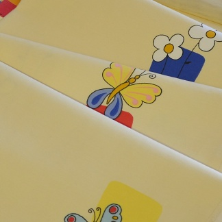 Μαλακό Βαμβακοσατέν για Παιδικό Δωμάτιο με Λουλουδάκια και Πεταλούδες