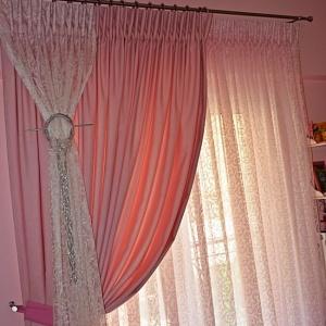 Ροζ Κουρτίνα Κρεβατοκάμαρας